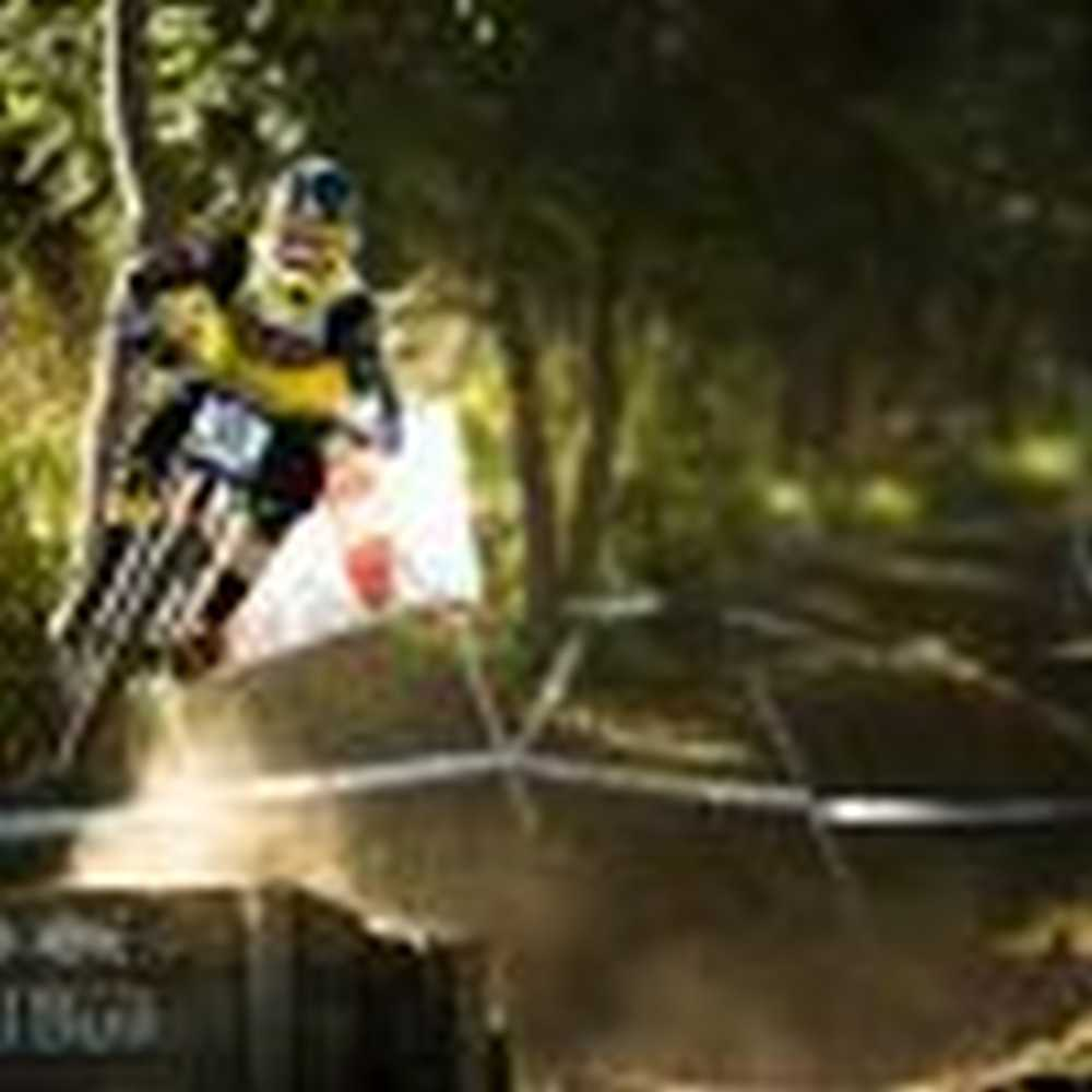 COMMENCAL RIDING ADDICTION cam cole