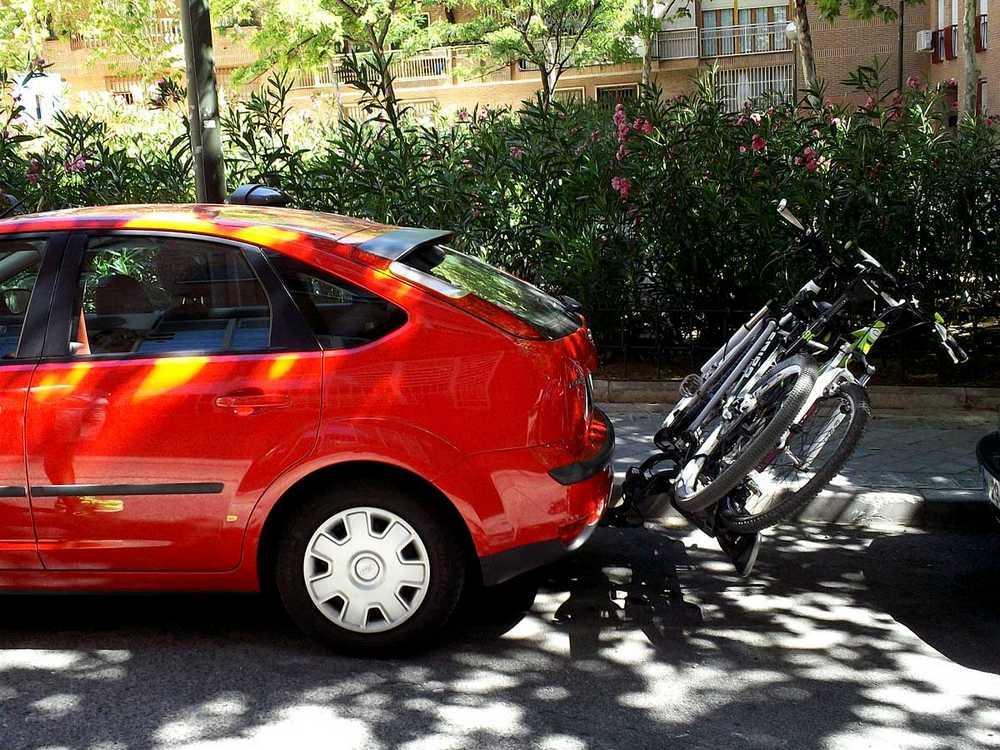 como llevar la bicicleta de forma correcta en coche