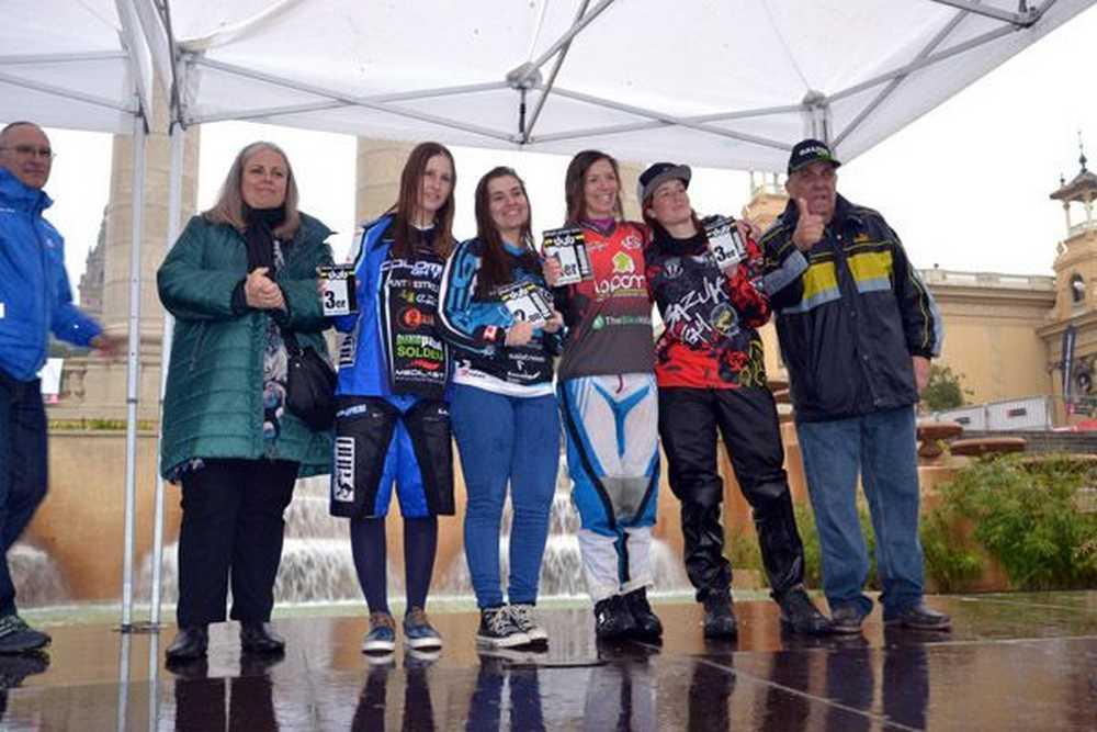 podium feminas down urban bcn