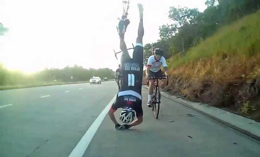 caida_ciclista_basura_arcen