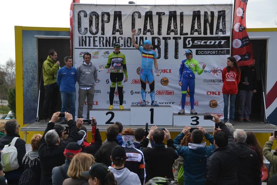 podio femenino elite-copa-catalana-internacional-barcelona-premsa-foto-francesc-llado-0016