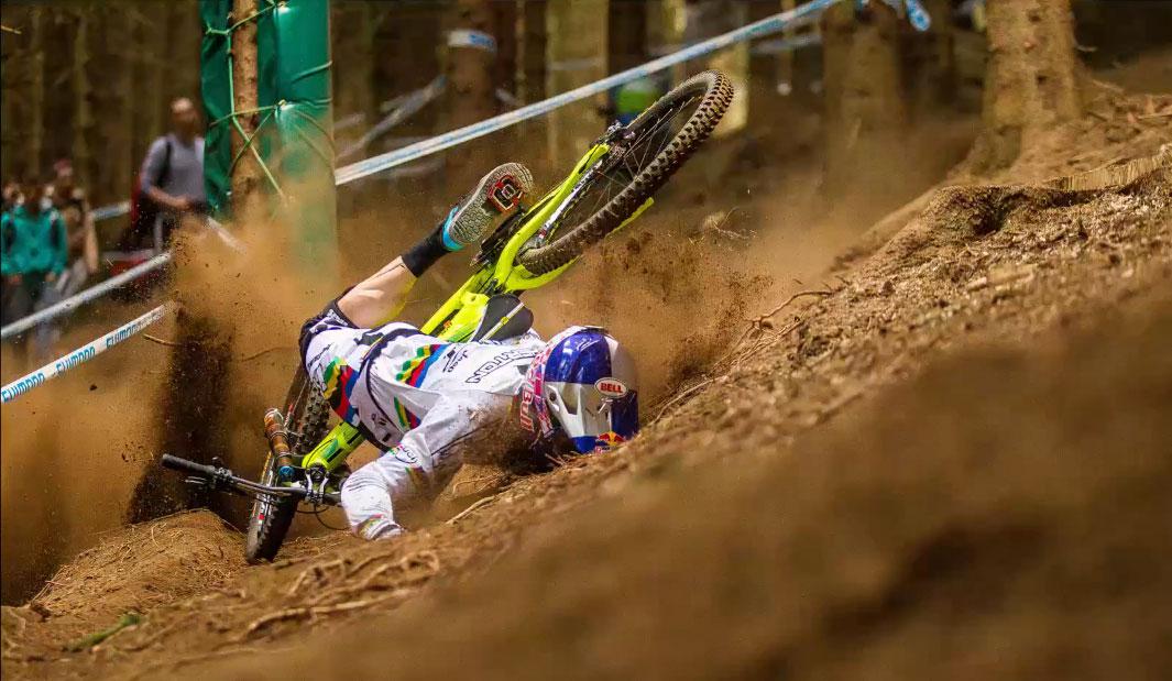 caida_gee_atherton_lourdes_crash