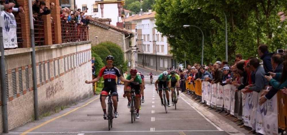 Diego Tirilonte (Infisport-Alavanet) se impone en Bergara