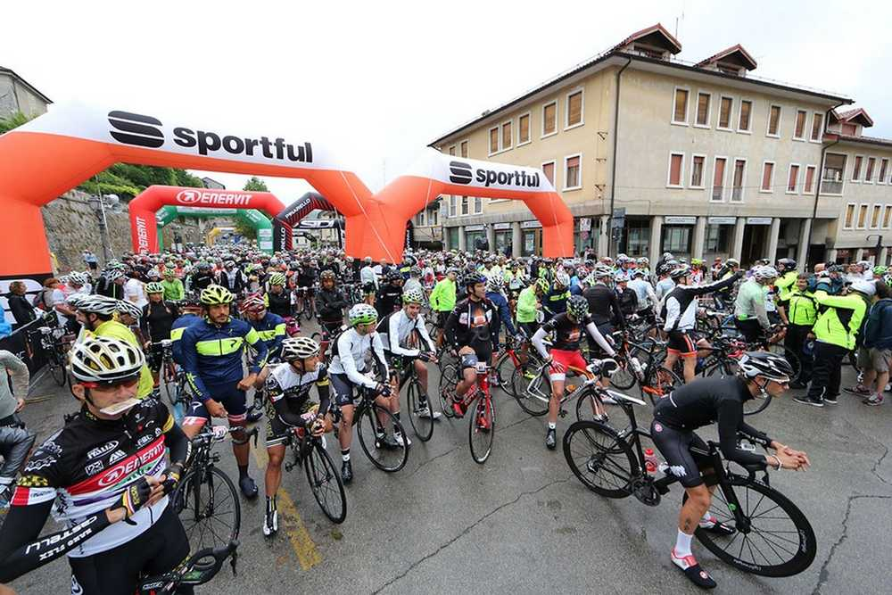 Salida Gran Fondo Dolomiti Sportful 2015 01