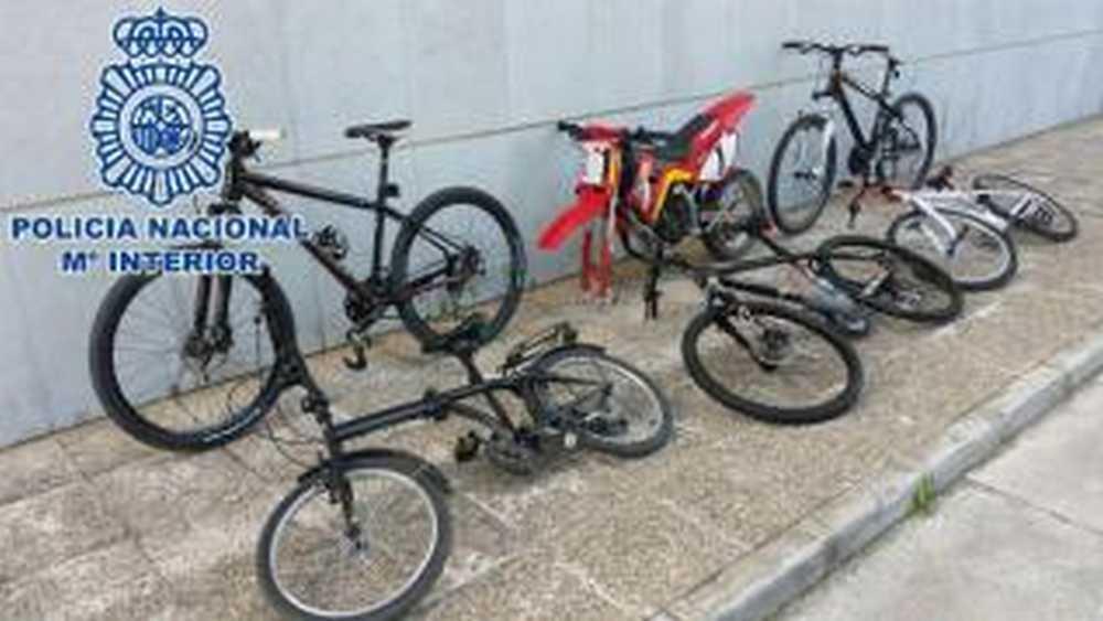 Dos detenidos en Málaga por vender por Internet más de 30 bicicletas robadas