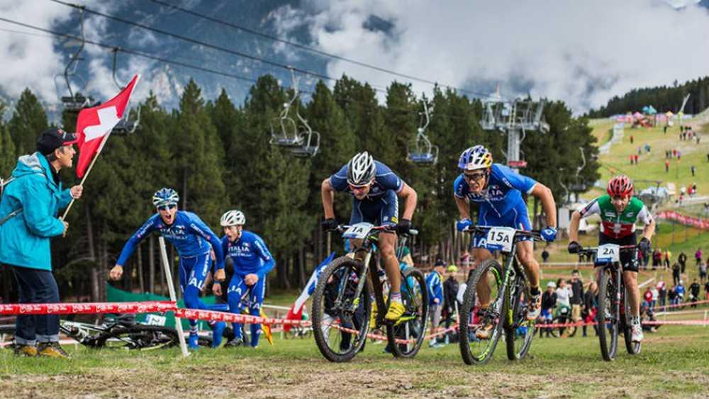 Francia e Italia en el Team Relay del Campeonato del Mundo de Vallnord