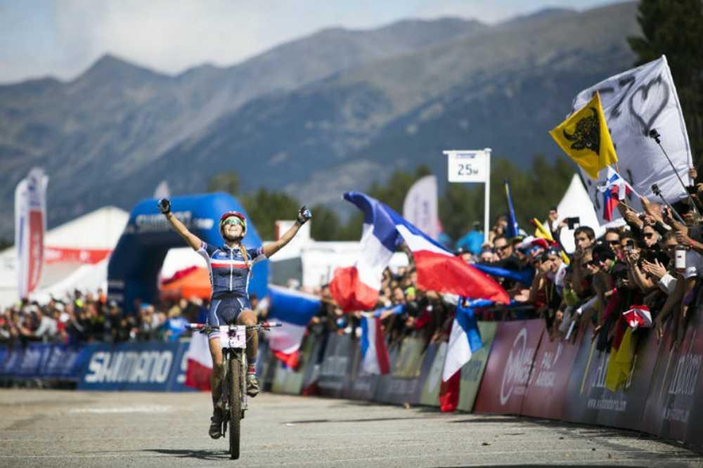 Pauline Ferrand Prevot Campeona del Mundo Élite XCO 2015 en Vallnord