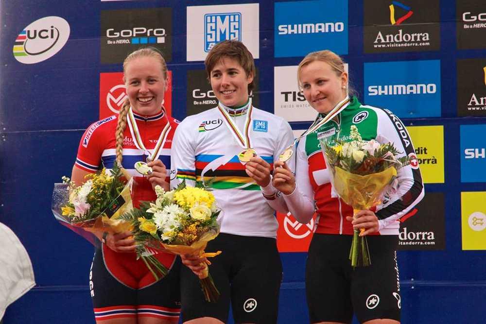 Podio femenino Campeonato del Mundo de XCE en Vallnord
