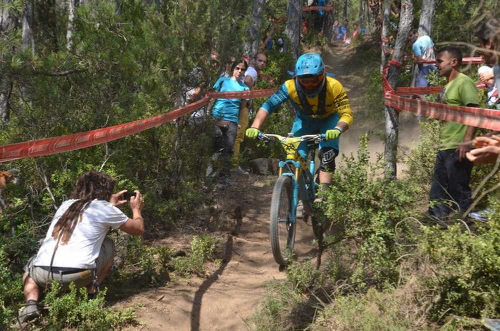 Richie Rude y Tracy Moseley vencen Enduro World Series de Aínsa