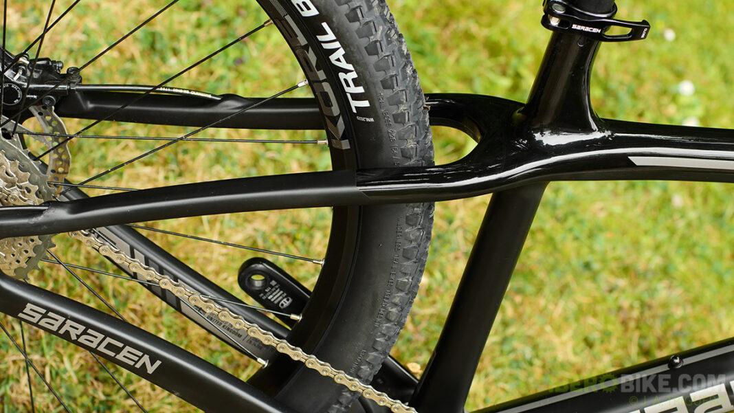 saracen_bikes_2016_mantra_carbon2