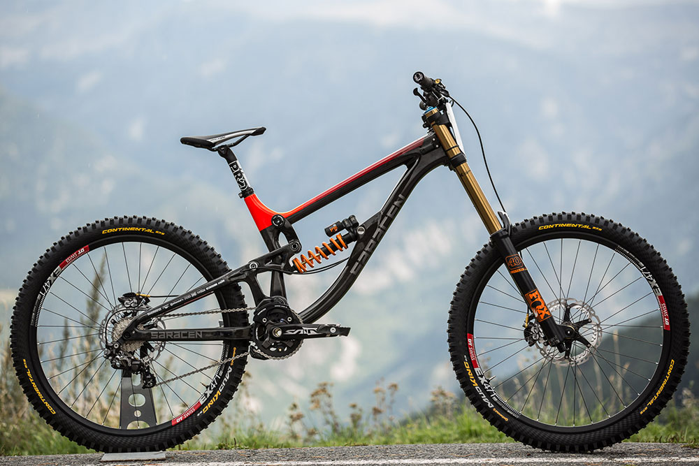 saracen_bikes_2016_myst_carbon_team