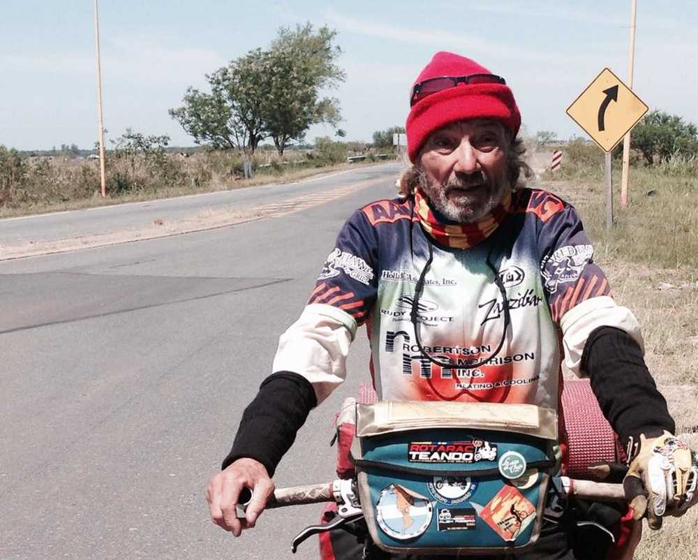 Frederic Barnet No se deja de pedalear cuando se envejece…. Se envejece cuando se deja de pedalear