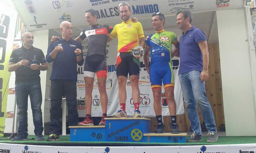 Podio masclino Open de España Ultramaratón 2015