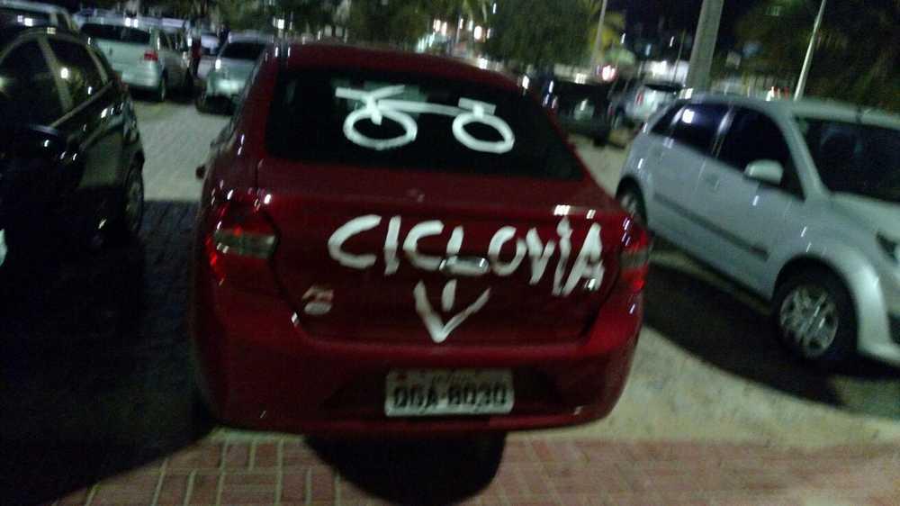carril_bici_coche_pintado