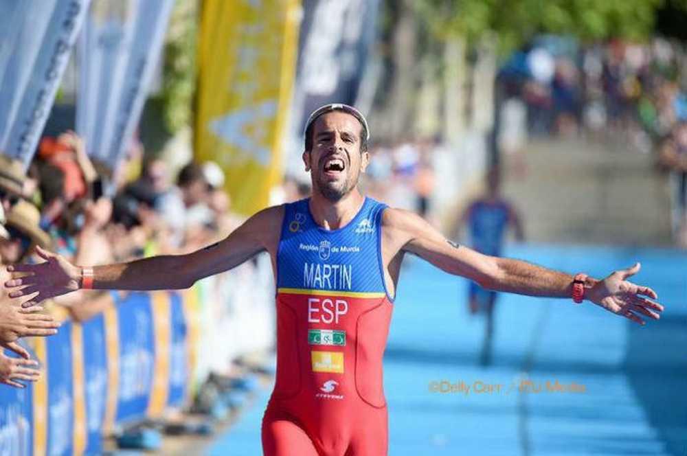 Emilio Martín, bicampeón del mundo de duatlón llegada meta