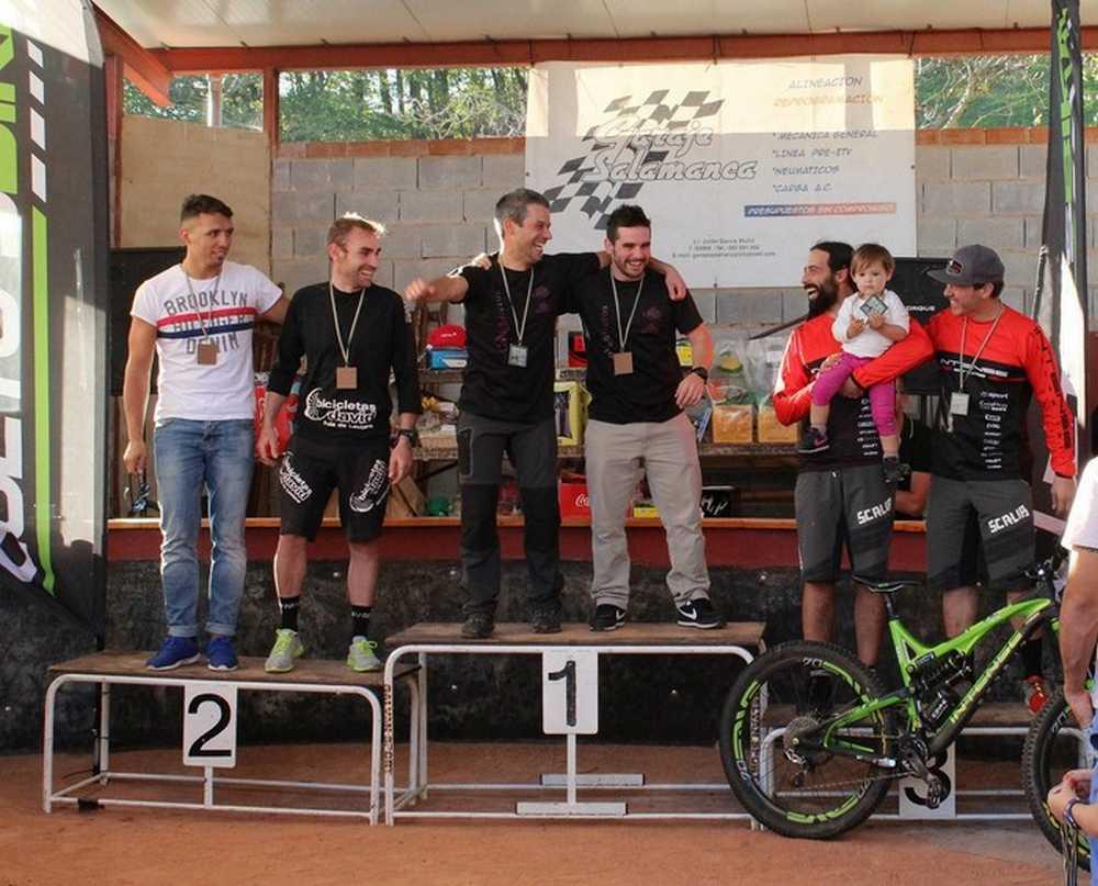 Podium Enduro 2 2ª edición del Enduro Team Race de Cocañin