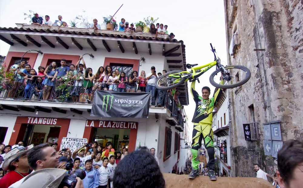 bernardo_cruz_taxco_2015_city_downhill