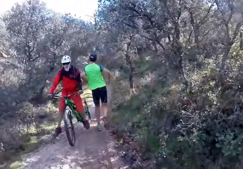 runner_vs_biker_el_pardo_madrid