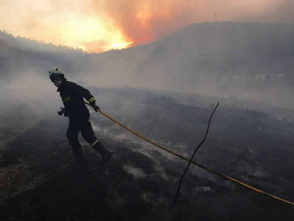 Incendios en la cornisa cantabrica diciembre 2015