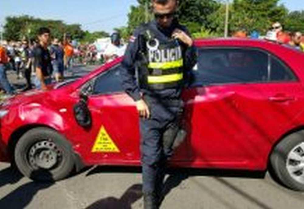 Un taxista provoca accidente en la 1ª Etapa de la Vuelta a Costa Rica