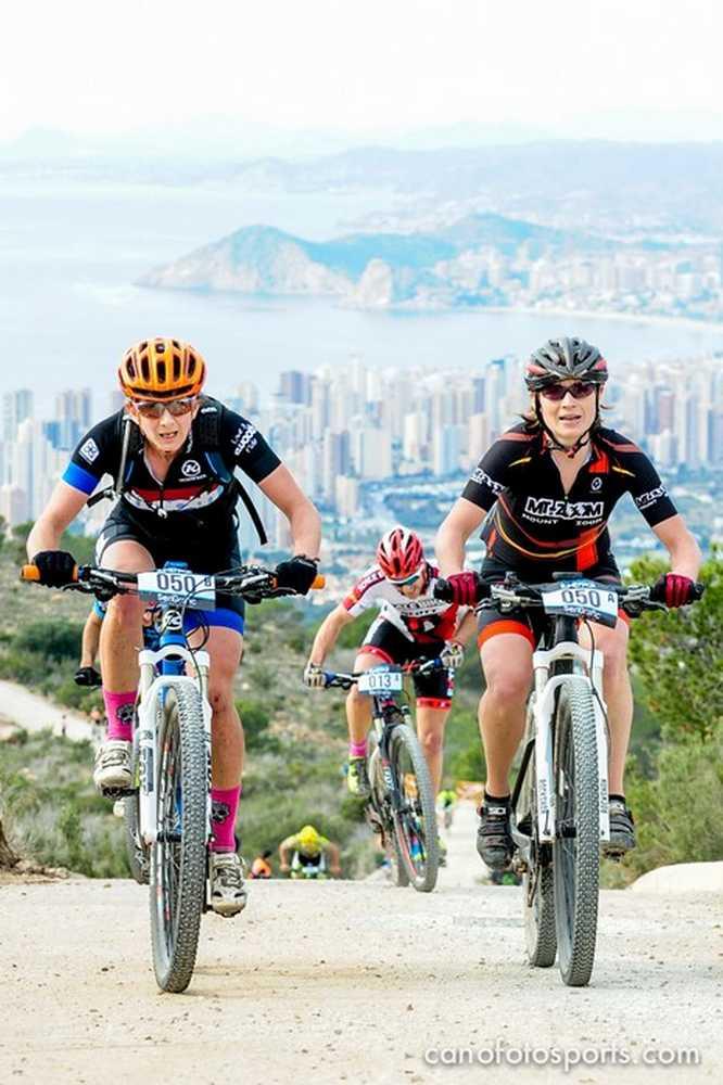 Belomoyna y Moschetti cronoescalada Costa Blanca Bike Race