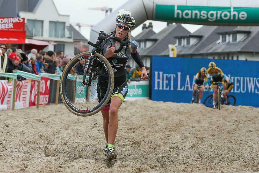 Acusan a la belga Femke Van den Driessche de doping tecnológico