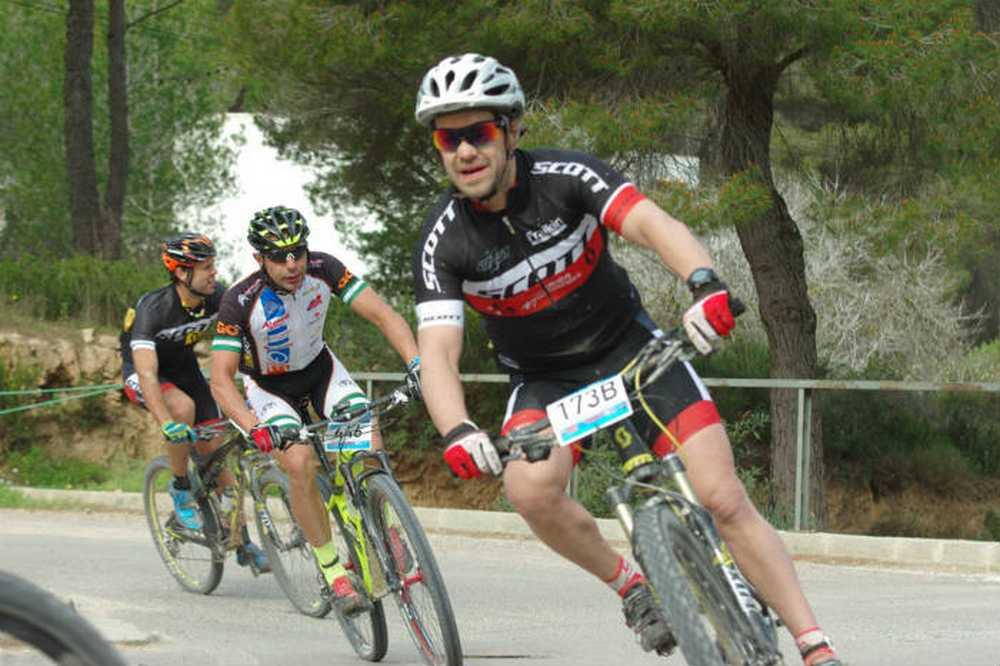 Carlos Checa Vuelta a Ibiza MTB MMR