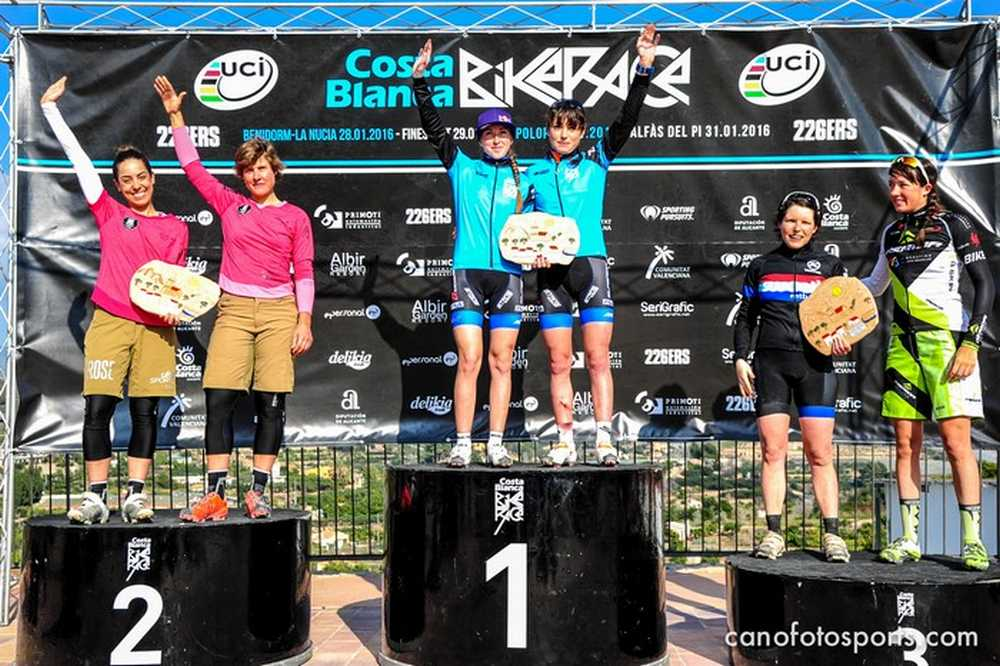 Podio femenino 3ª etapa de la Costa Blanca Bike Race