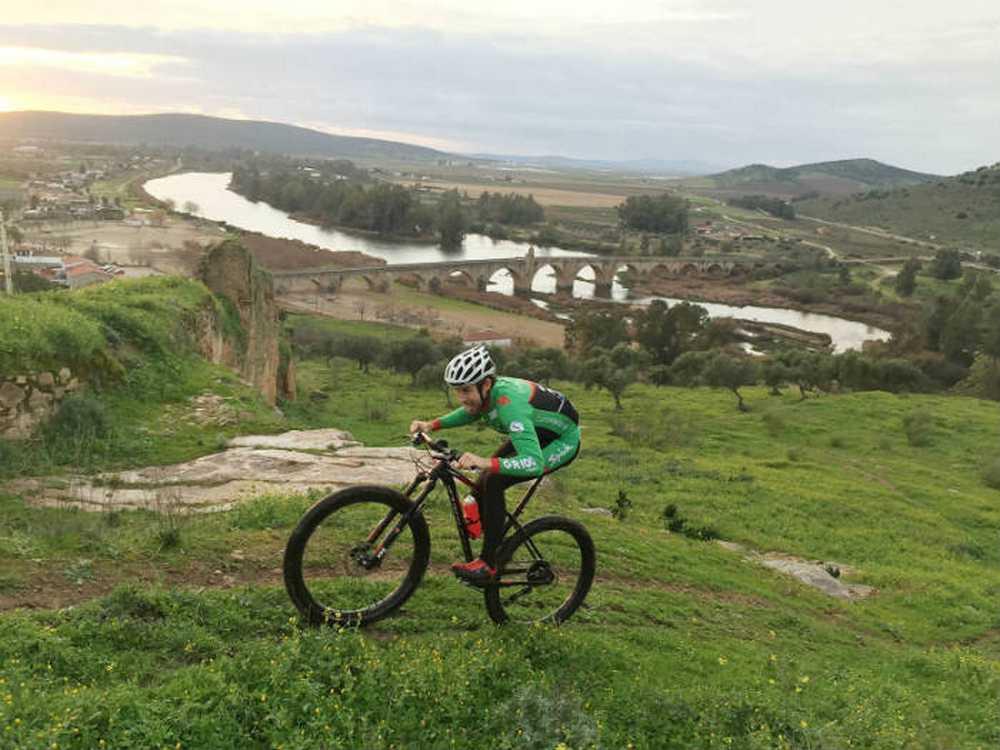 VAL SERENA BIKE RACE 2016 subieno Medellin
