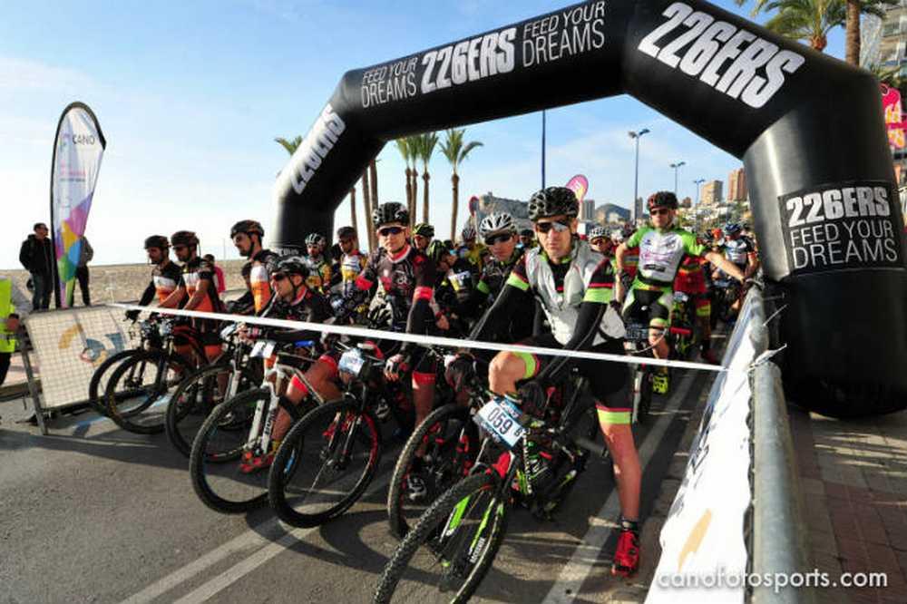 Salida primera etapa Costa Blanca Race 2016