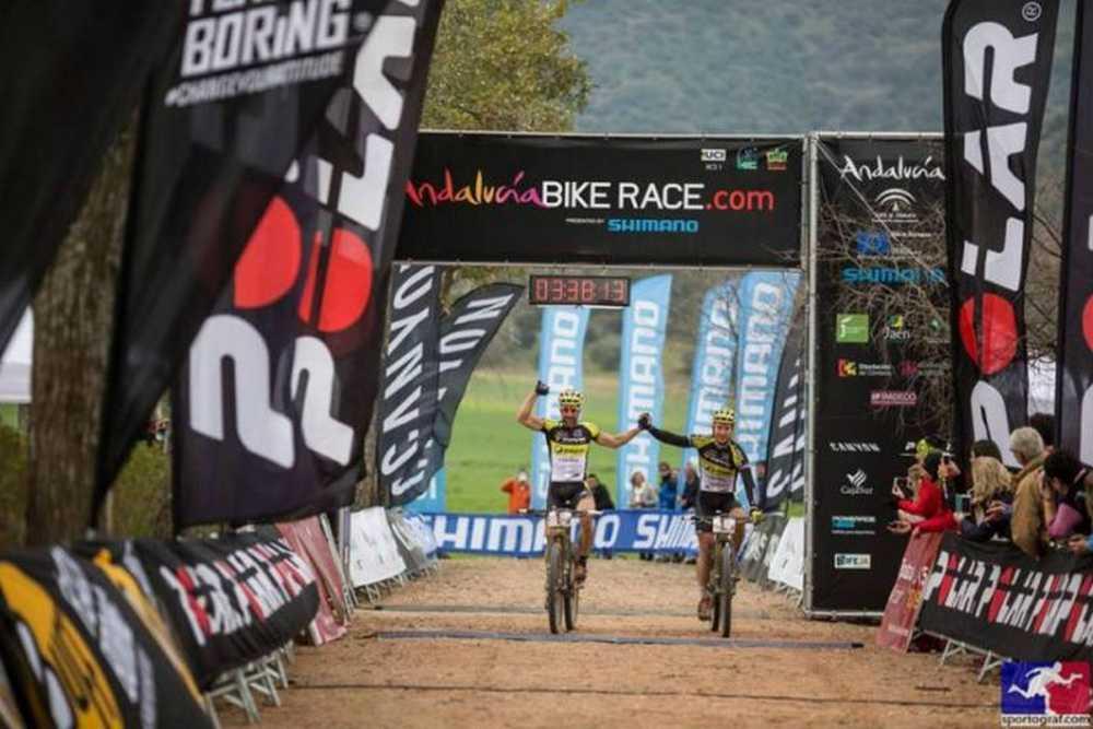 Hynek y Lakata ganan la 4ª etapa y recuperan el liderato de la Andalucía Bike Race 2016