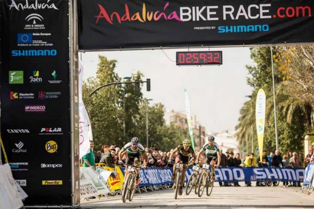Ilias-Ferreira y Lakata-Hynek se debaten la victoria de la Andalucia Bike Race 2016