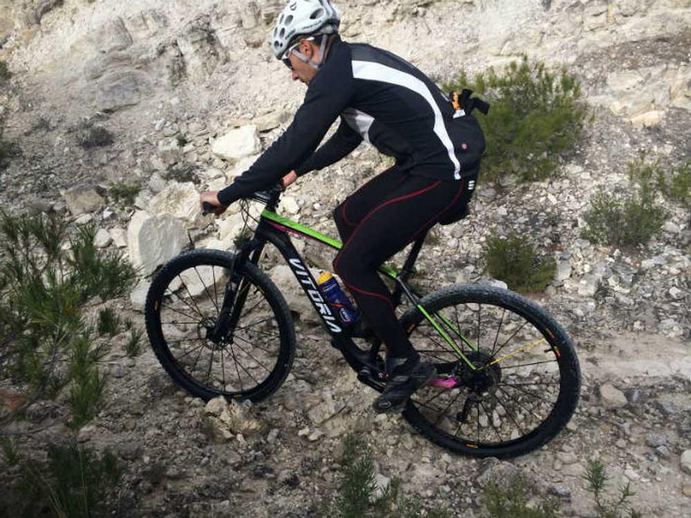 Oscar Santander Iberobike Vitoria Bikes by Atika Sport
