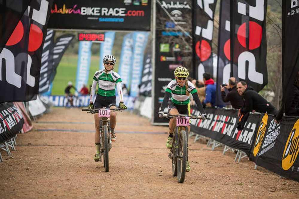 Sally Bigham y Katrin Leumann ganadoras 4ª etapa Andalucia Bike Race 2016