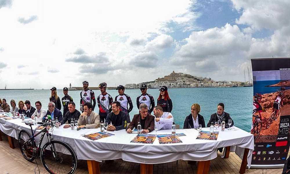 Como siempre espectacular el despliegue de medios de La Vuelta Ibiza MMR en Mountain Bike. La edición 2016 está lista para comenzar