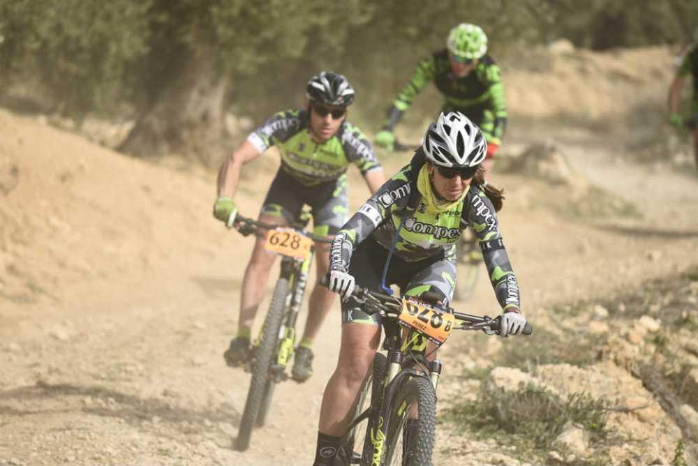 """Isabel Pérez y Francisco Javier Pulido IV edición de la Andalucia Bike Race con el #EquipoCompex"""""""