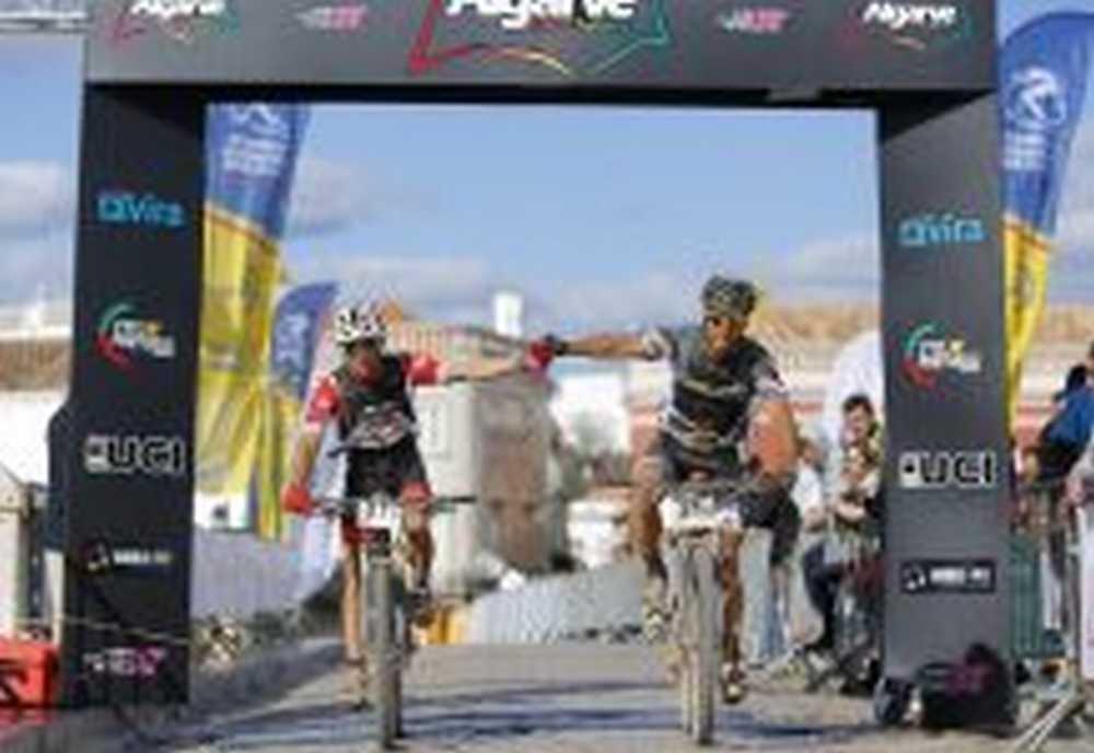 Meta Crónica Algarve Bike Challenge 2016 de Jon Erguin