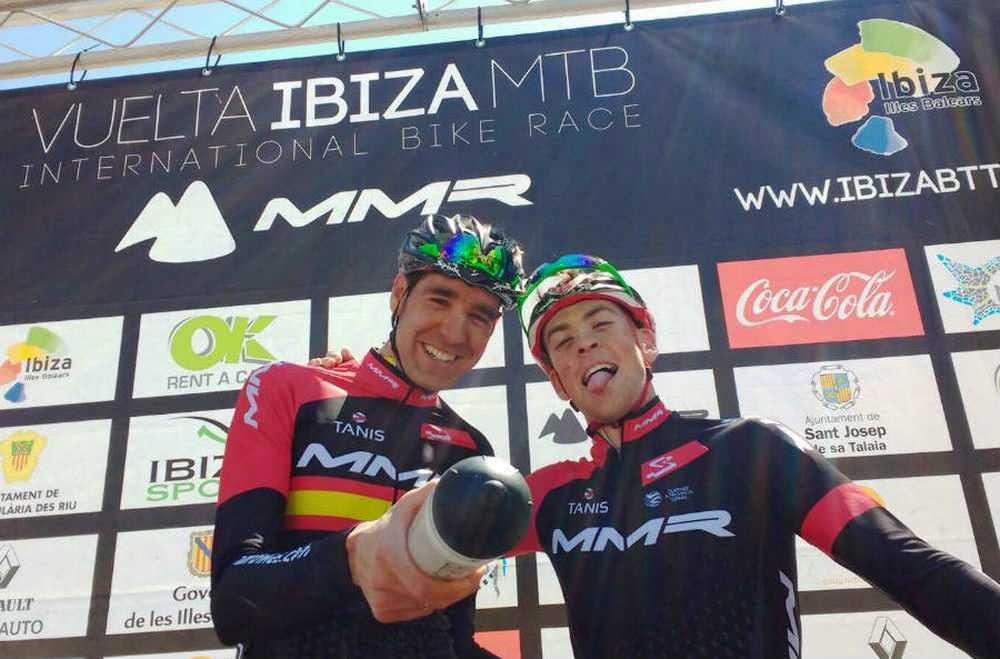 Podio Pablo Rodríguez y David Valero 2ª etapa de la Vuleta a Ibiza MTB 2016