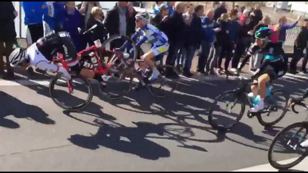 Vídeo espectacular caída de Fabio Felline en la Amstel Gold Race 2016