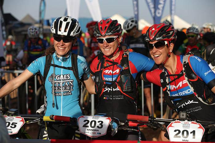 podio femenino Titan Desert by Garmin 2016