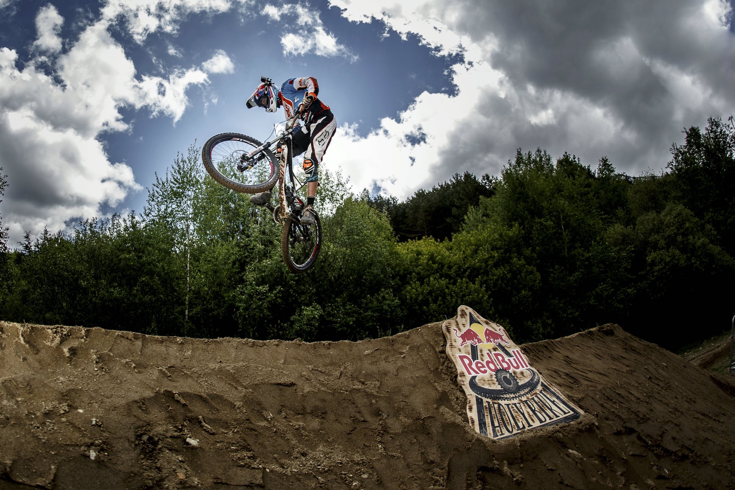 """Competitor performs at the Red Bull Holy Bike at """"La Pinilla Bike Park"""" in Segovia, Spain on May 24th, 2014 // Aitor Matauco / Red Bull Content Pool // P-20140526-00069 // Usage for editorial use only // Please go to www.redbullcontentpool.com for further information. //"""