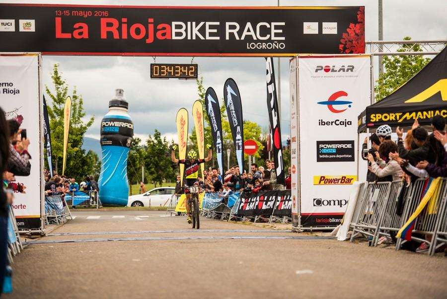 Stauffer llegada etapa maratón de La Rioja Bike Race 2016