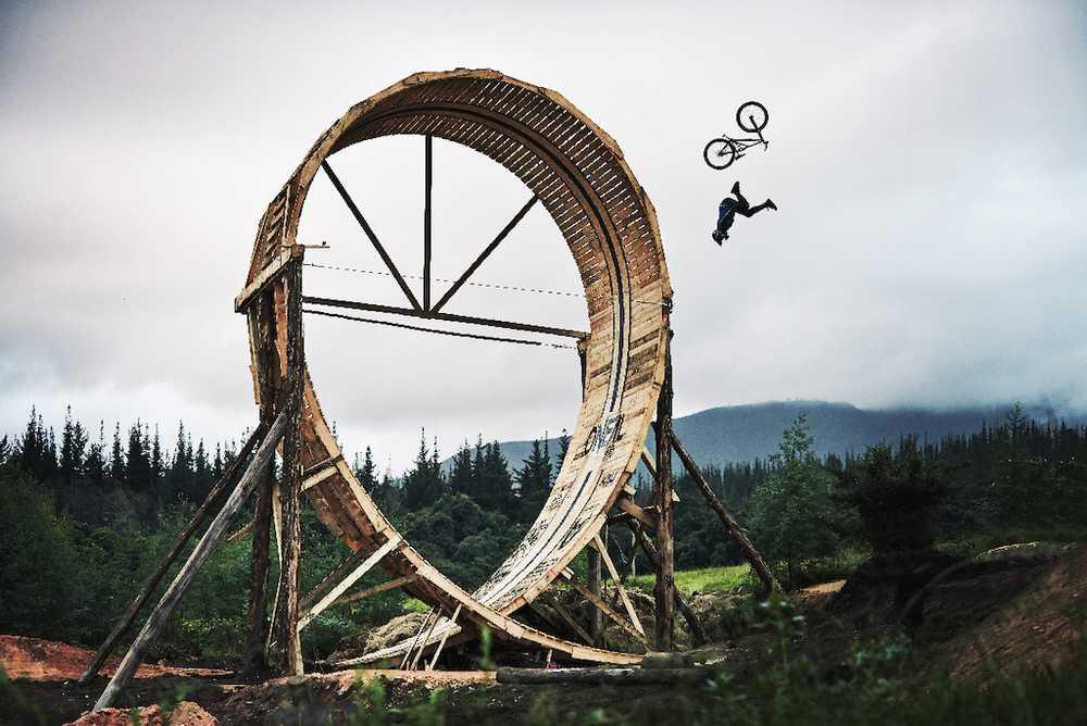 Matt MacDuff Loop Of Doom - Video