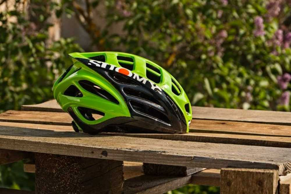 casco-suomy-gun-wind-lateral