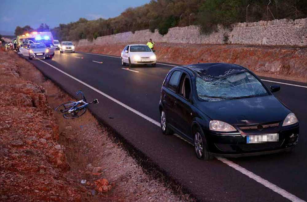 Fallece un ciclista atropellado por una conductora ebria cuando pedaleaba con su hijo
