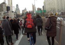 Vídeo Como recordar a los peatones que no deben caminar por el carril bici
