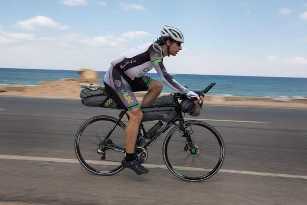Mark Beaumont pretende dar la vuelta al mundo en bicicleta en 80 dias