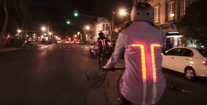 Tuibo un chaleco con luz para ciclistas urbanos