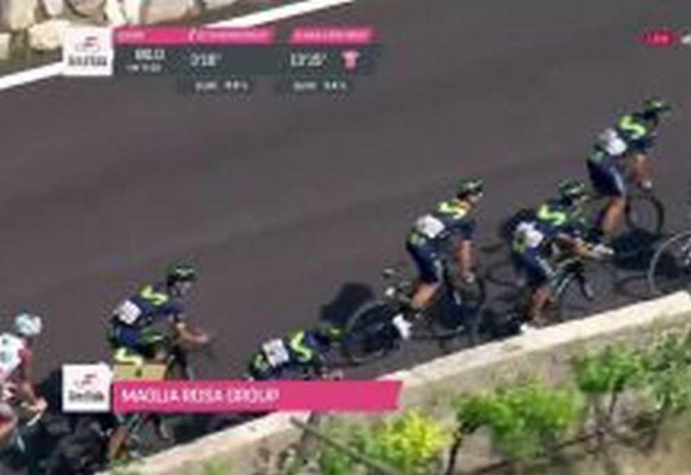 Vídeo Nairo Quintana a punto de provocar una caída al lanzar bidón en la 17 etapa del Giro de Italia