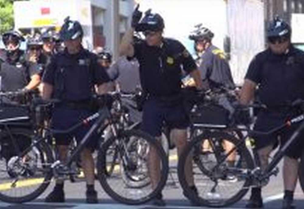 ciclistas antidisturbios